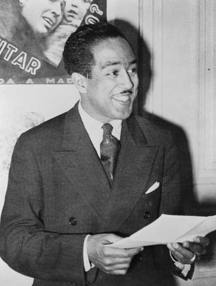 An Analysis of the Young Poet, John Donne