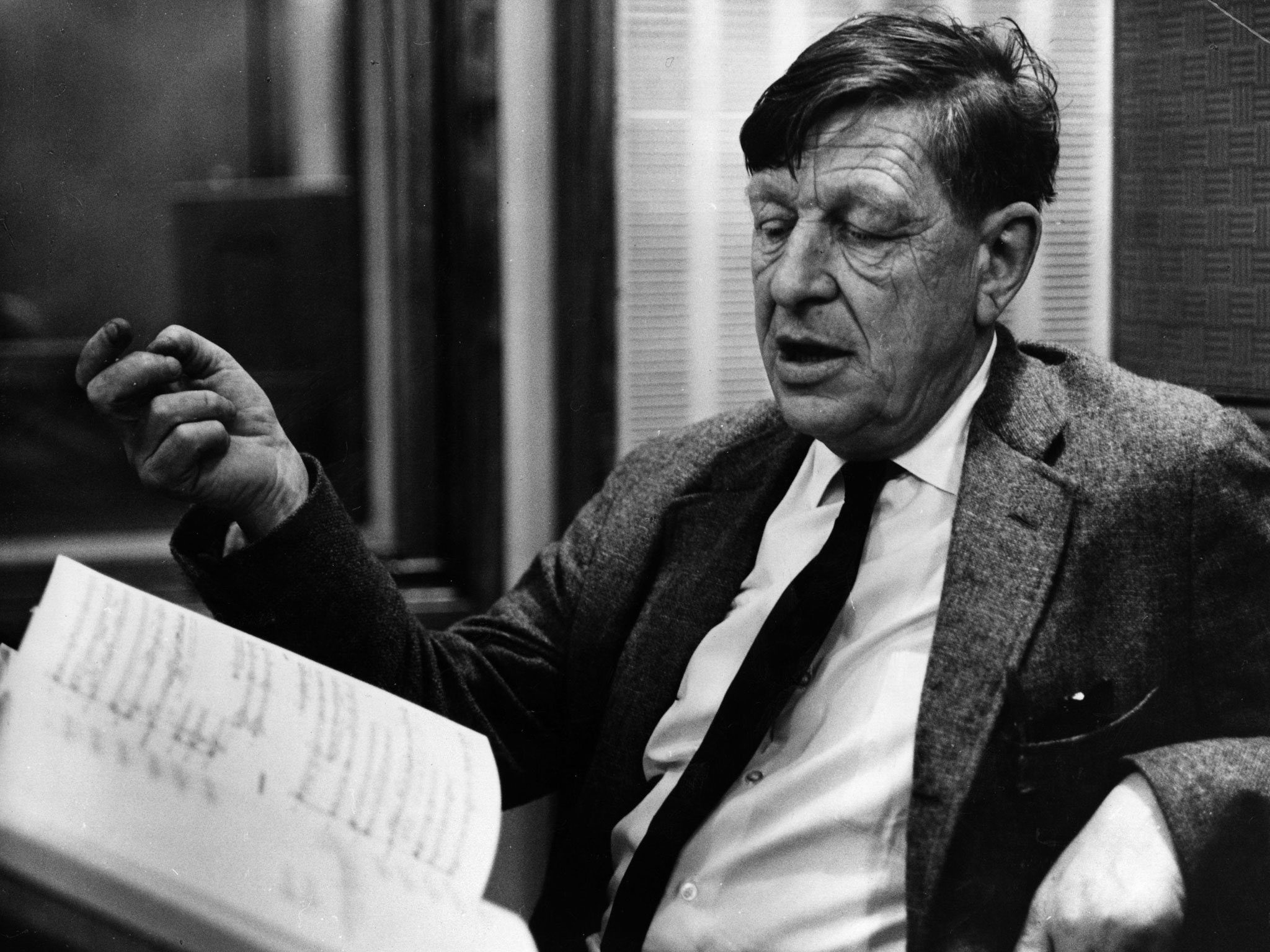 a biography of the life and times of wh auden